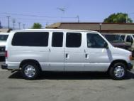 2004 Ford E-Series Wagon XL Wagon